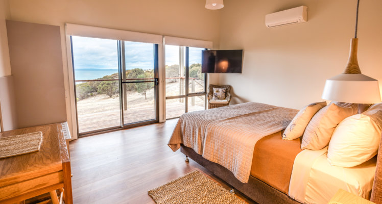 Kangaroo Island Retreat; kangaroo island luxury retreat; Sea Dragon Lodge; The Retreat Bedroom; Luxury Lodges of Australia